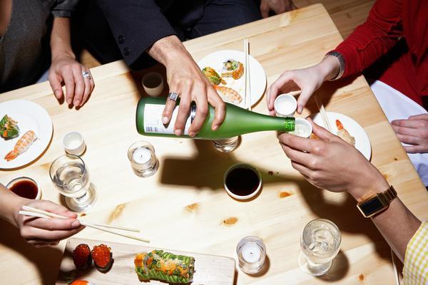 Những lưu ý khi dùng bữa với người Nhật